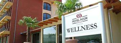 Hotelek